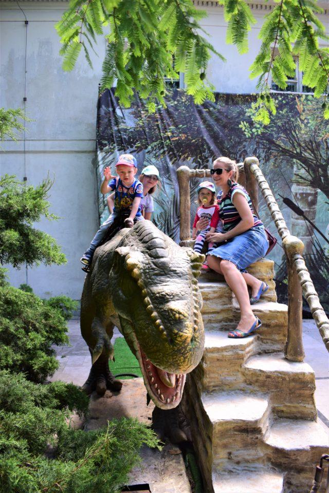 Wystawa Living dinosaurs. Foto mama zdrowie.
